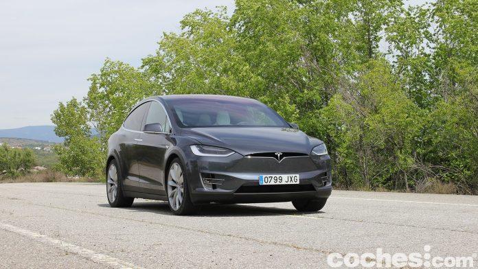 Pourquoi la Chine a-t-elle interdit les voitures Tesla de ses installations militaires?